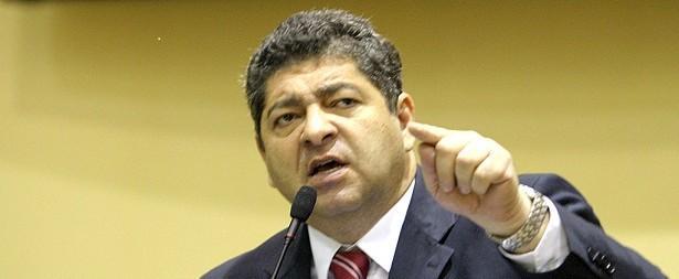 Guilherme Maluf, empresário e deputado estadual pelo PSDB, partido que, de repente, não mais do que de repente, está passando ao controle de Zé Pedro Taques
