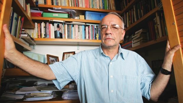 """Na avaliação do pensador Emir Sader, foram os governos do PT que ampliaram enormemente a inclusão social e, portanto, a democracia no Brasil. """"Mas esse processo se choca com estruturas de poder a que a democratização não chegou"""", diz."""