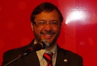 Naime Márcio Martins Moraes é advogado e professor universitário