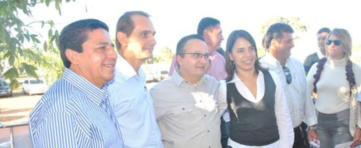 O ex-prefeito Wilson Santos com o governador eleito Pedro Taques