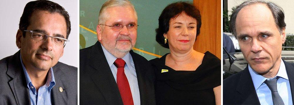 O deputado-delegado comunista Protógenes Queiroz, o casal Roberto Gurgel e Cláudia Sampaio e o banqueiro Daniel Dantas.