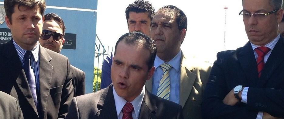 O advogado Leonardo Pio de Campos, atual presidente da Caixa de Assistência dos Advogados de Mato Grosso é apontado em reportagem do Issoé Notícia, como possivel beneficiário de fraude a licitação que envolveu outros dirigentes da OAB em Mato Grosso e a disputa pela conta do Conselho Regional de Medicina de Mato Grosso