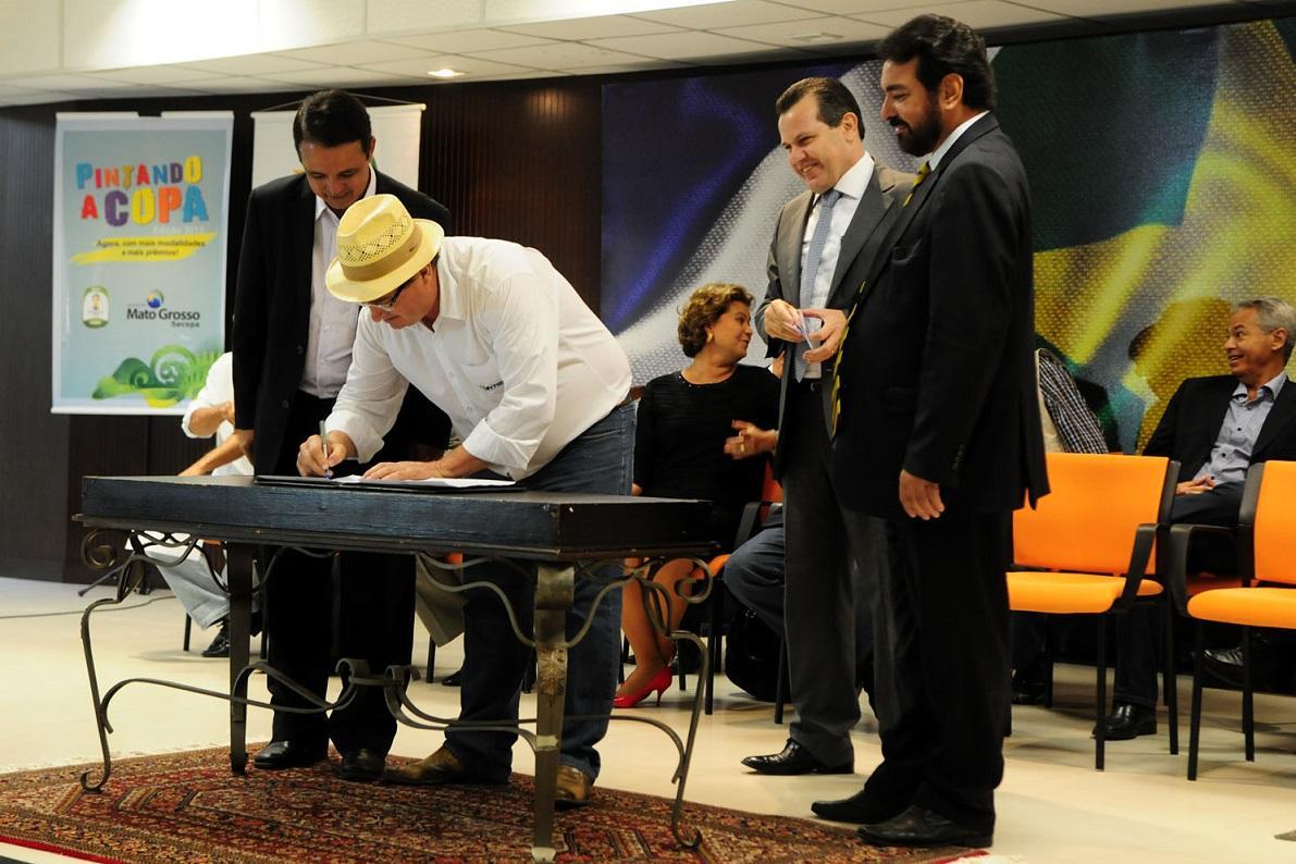 O governador Silval Barbosa, durante o lançamento do concurso da Empaer, reconheceu a combatividade de Gilmar Brunetto como liderança sindical dos servidores