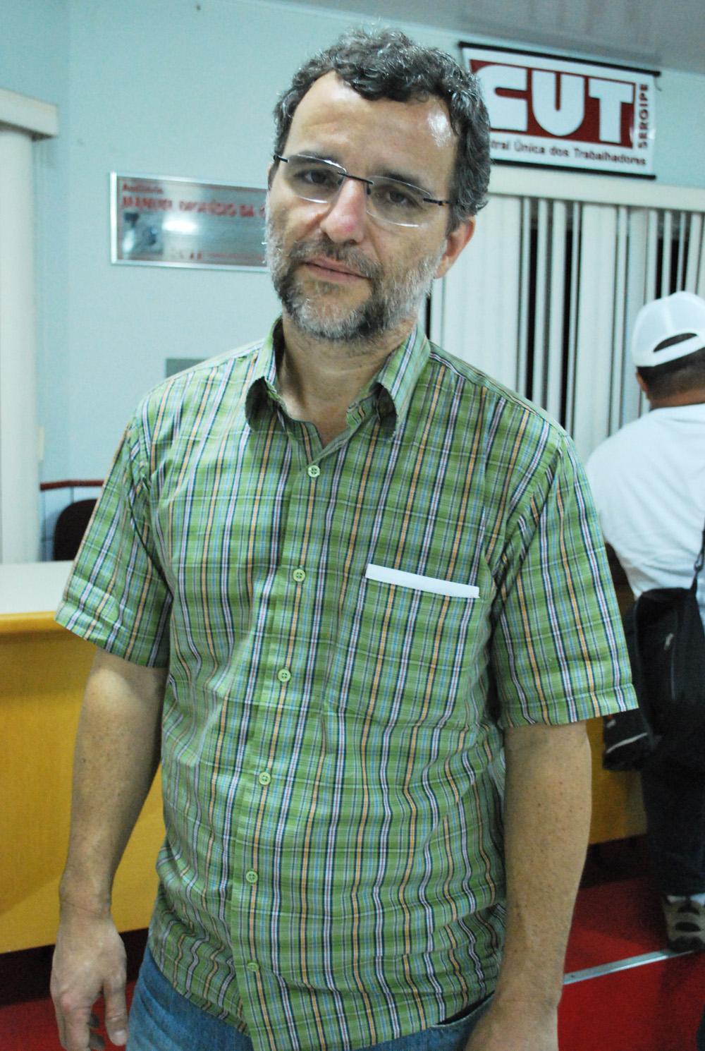 Valter Pomar, historiador, é dirigente nacional do PT e um das principais lideranças da Articulação de Esquerda, corrente interna do partido