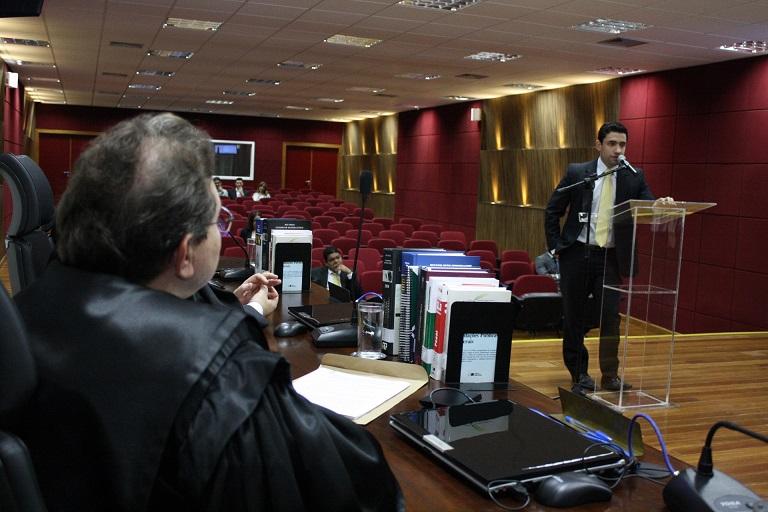 Advogado Rodrigo Cyrineu destacou olhar atento do magistrado Sebastião Arruda quando os advogados faziam suas sustentações orais