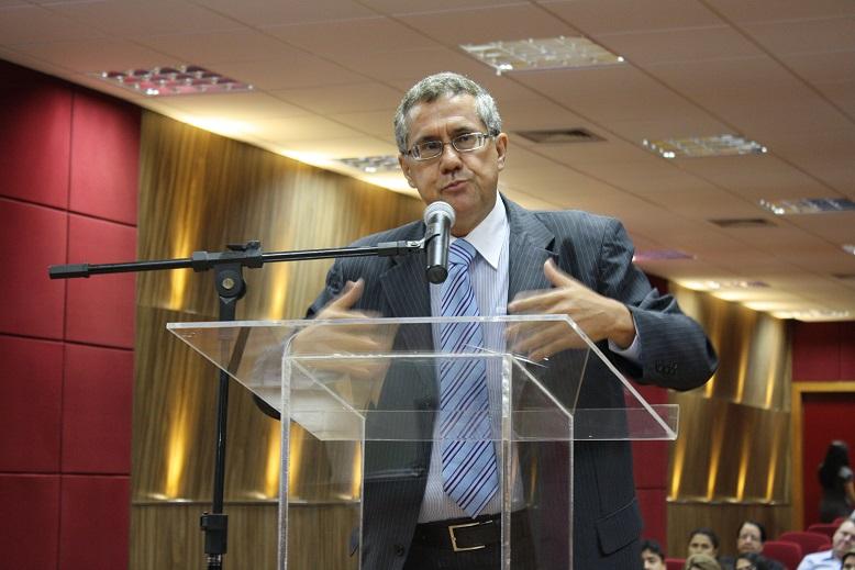 """Para o advogado Lauro da Matta, o juiz Sebastião Arruda, que se despede do Pleno do TRE-MT  """"é um magistrado com grande conhecimento jurídico e técnico, corajoso e coerente"""""""