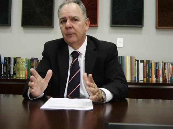 O promotor Gilberto Gomes em suas ações contra os saites jornalísticos de Cuiabá é representado em juízo pelo seu filho, o advogado Gilberto Gomes Junior