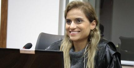 Vanessa Perenha, juíza federal, cuja decisão sacudiu a OAB em Mato Grosso