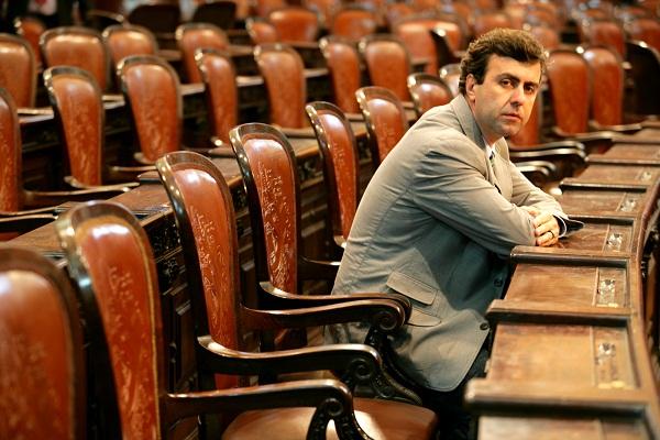 Marcelo Ribeiro Freixo (Niterói, 12 de abril de 1967) é professor e está no segundo ano do seu segundo mandato como deputado estadual fluminense pelo Partido Socialismo e Liberdade