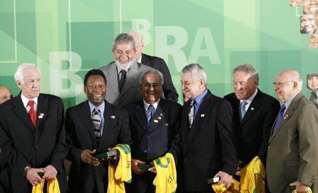 Em 2008, o ex-presidente do Brasil, Luiz Inácio Lula da Silva, homenageou os atletas campeões do mundo.
