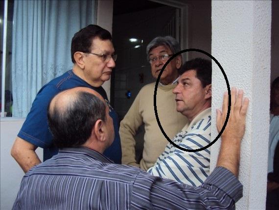 Flávio Garcia, jornalista e assessor da Câmara, aparece no grampo do Gaeco e destacado na foto acima