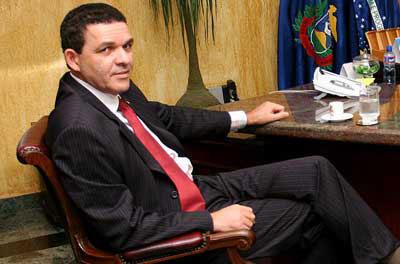 Caso o prefeito de Sinop, o peemedebista Juarez Costa já tenha liberado o alvará para a funerária e o crematório, terá que suspendê-lo imediatamente, de acordo com a determinação do juiz Mirko Giannotte