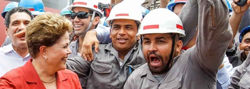 """Dilma e o PT mantém a liderança constante nas pesquisas de intenção de voto, apesar dos contorcionismos diários da grande mídia e dos oposicionistas na tentativa de """"queimarem"""" a imagem da economista-presidenta"""