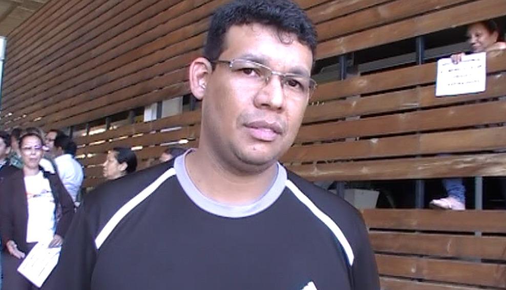 Edmar Delgado, que trabalha em uma das varas da Fazenda Pública garantiu que existe serviço demais para servidores de menos no Fórum de Cuiabá. Ele também reclamou do salário