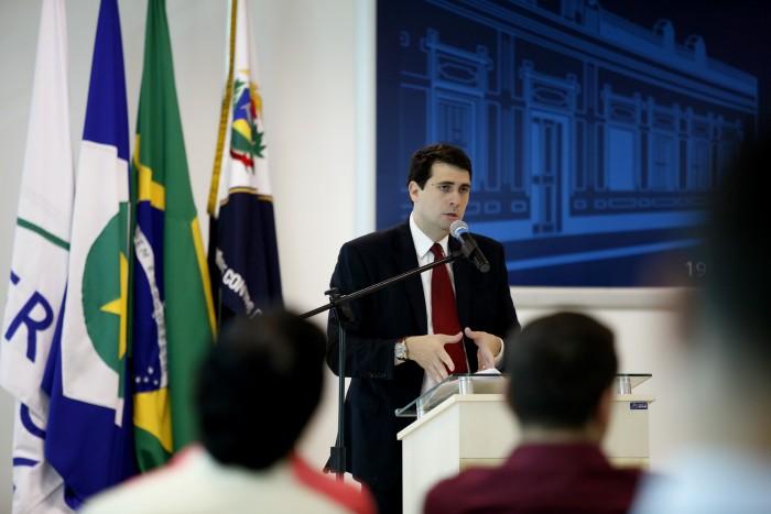 Caberá ao juiz Eduardo Calmon orientar o módulo sobre Técnicas Legislativas de Redação com conteúdo que aborda o trabalho parlamentar e elaboração e revisão de proposições legislativas