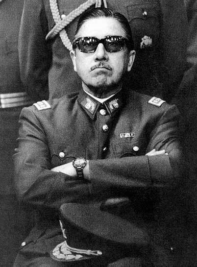 O Chile ainda luta para superar o legado de violência e afrontas aos direitos humanos que marcaram a ditadura do general Augusto Pinochet
