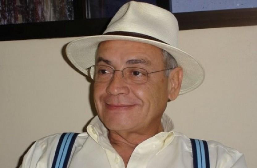 """Ricarte de Freitas, radialista, ex-deputado federal, atualmente atuando como analista político nas manhãs da rádio Mega FM, no programa """"Chamada Geral"""""""