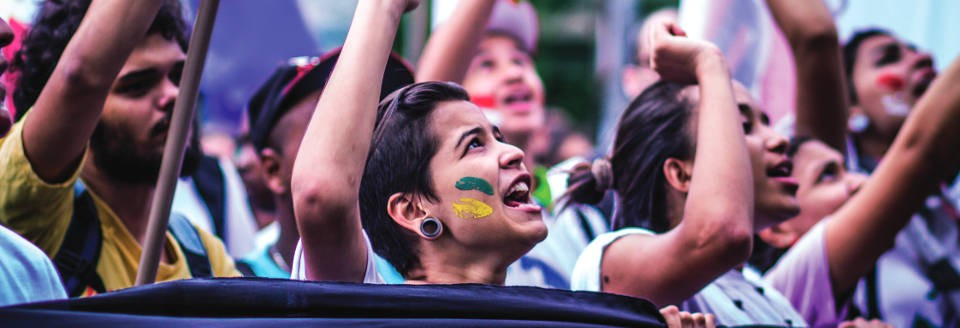 De 1º e 7 de setembro, durante a Semana da Pátria, a população brasileira poderá votar, em locais de votação que se espalham por todo o Brasil, e também por Mato Grosso, se é a favor ou não de uma constituinte exclusiva e soberana para reformar o sistema político brasileiro. O plebiscito popular está sendo organizado por diversas entidades (mais de 400)  que objetivam contribuir para o aperfeiçoamento das instituições políticas do país. O comitê pela reforma política conta com cerca de mil escritórios espalhados pelo país. Foi criado em setembro do ano passado por partidos políticos e movimentos sociais.