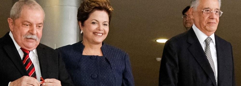 Lula e Dilma, presidentes eleitos  pelo PT, e Fernando Henrique Cardoso, presidente eleito pelo PSDB. A comparação entre os dois períodos de governo - o tucano e o petista - está sempre no centro do debate nacional