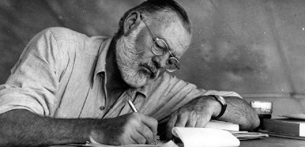 Ernest Hemingway, escritor norte-americano, autor de clássicos como O Velho e o Mar e Por Quem os Sinos Dobram