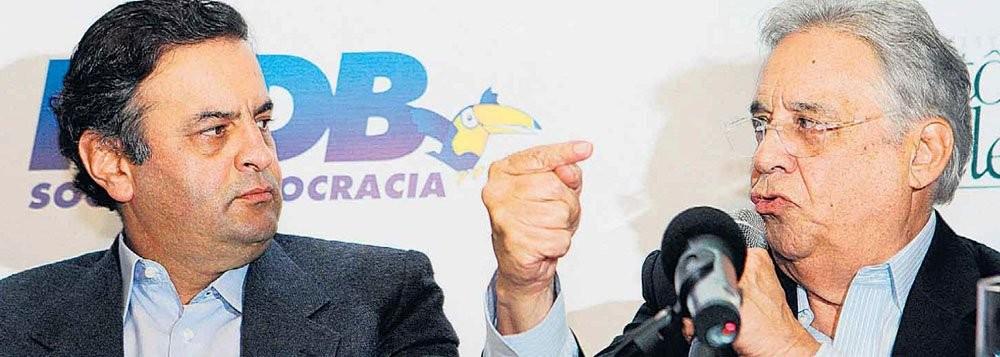 Aécio com Fernando Henrique Cardoso: tucanos em tensão, na véspera da decisão eleitoral
