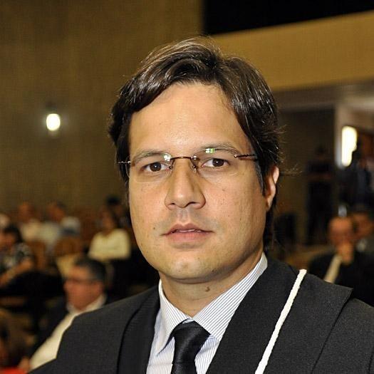 Juiz Luiz Otávio Marques, titular da  Terceira Vara Cível da Comarca  Várzea Grande, Mato Grosso