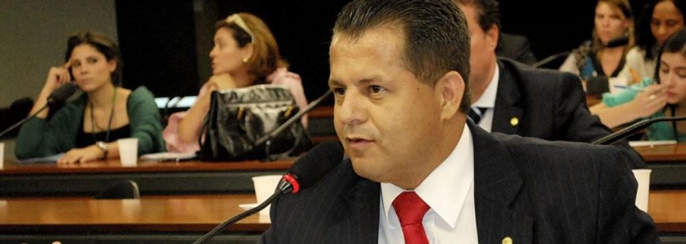 Valtenir Pereira, contra a orientação de sua bancada adotou a proposta defendida pela imprensa marrom