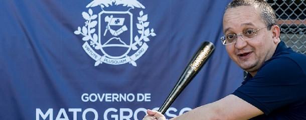 Zé Pedro Taques na hora de tacar o malho no grande homem da Comunicação, afinou. É ou não é um tigre de papel?