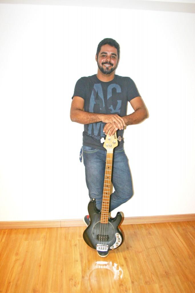 Ricardo Chains, integrante da banda Heróis de Brinquedo, de Cuiabá, Mato Grosso