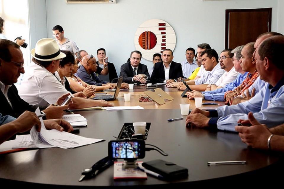 Governo de Pedro Taques conseguiu dividir o Fórum Sindical e provocar troca de xingamentos entre sindicalistas