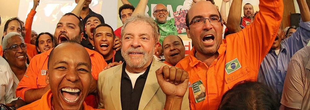 O esforço é sempre o mesmo: tentar arrancar o carinho por Lula do coração do povo trabalhador brasileiro