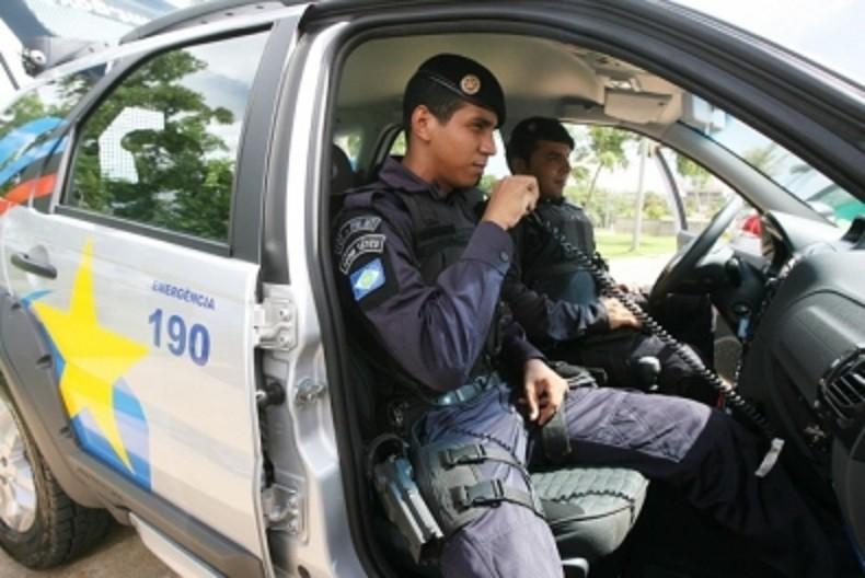 Policiais Militares de Mato Grosso, em serviço de rádio patrulha
