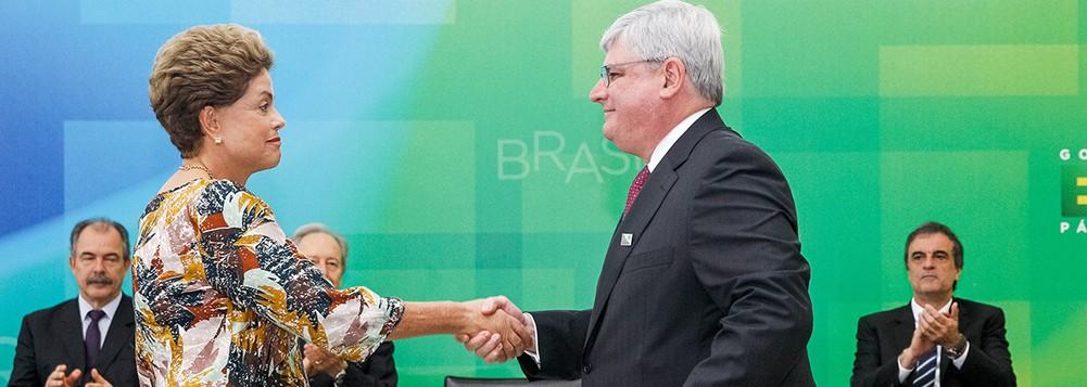 Rodrigo Janot, chefe do MPF com a então presidenta Dilma, na sua recondução ao cargo