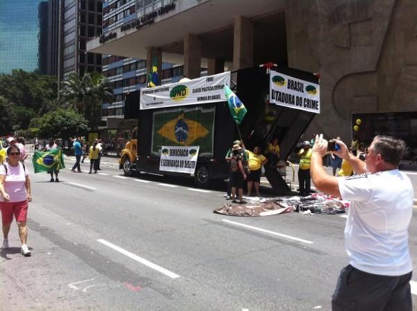 paulista3 no ato do golpe na pagina do enock