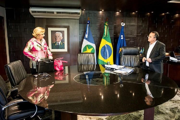 Adriana Vandoni, no gabinete do governador Zé Pedro Taques