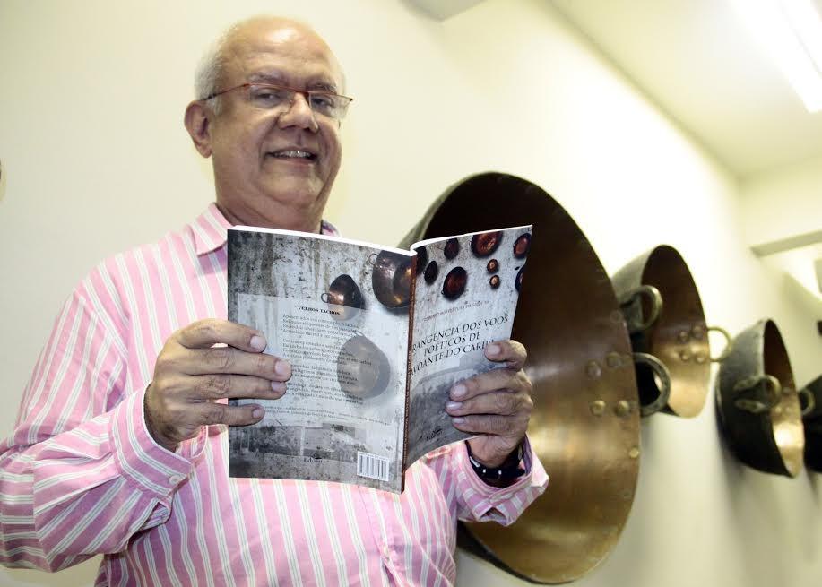 O economista, escritor e acadêmico Fernando Tadeu participou das homenagens ao Avoante