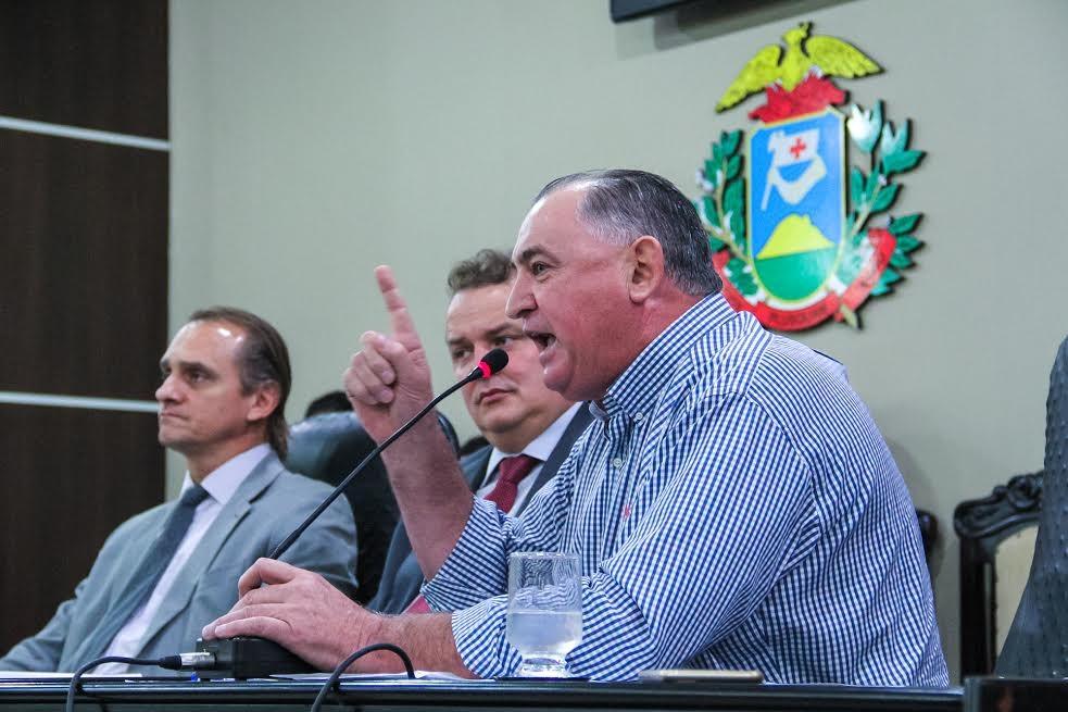 Deputado Ondanir Bortolini (PR), o Nininho