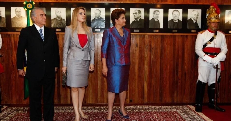 Michel Temer, Marcela Temer e Dilma Roussef em cerimônia oficial em Brasília