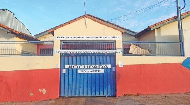 Escola Ramiro, ocupada em Rondonópolis. Movimento estudantil contra propostas do governador Zé Pedro Taques se alastra pelo Estado
