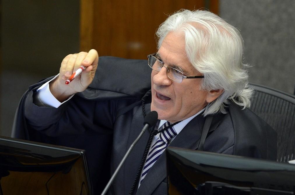 Ministro do STJ Napoleão Nunes Maia Filho defende que é melhor que haja menos quantidade de decisões com alta qualidade garantista do que um grande volume com preocupação garantista menor.